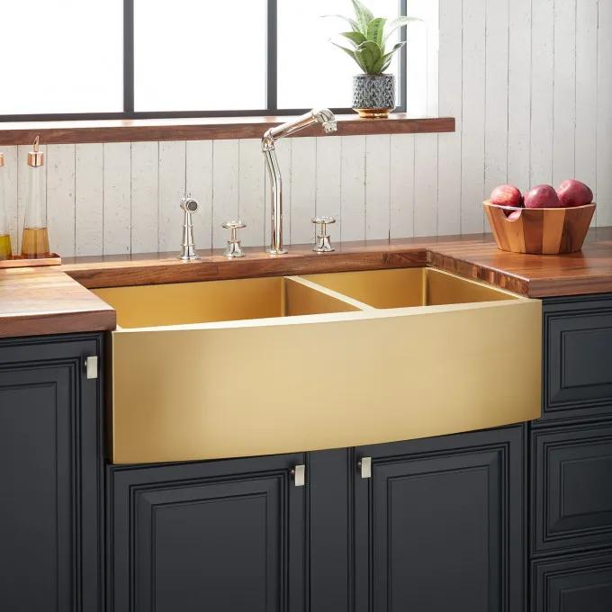 "33"" Atlas 60/40 Offset Double-Bowl Stainless Steel Farmhouse Sink - Curved Apron - Matte Gold"
